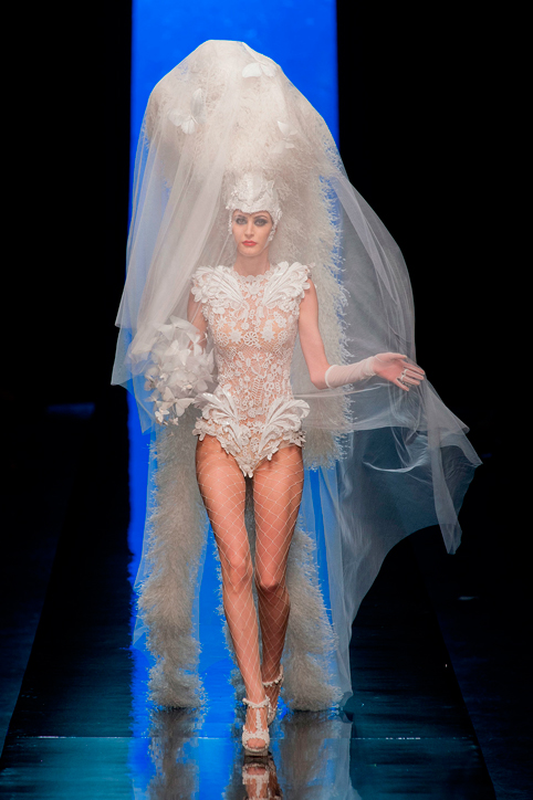 Jean-Paul-Gaultier-Haute-Couture-Bride